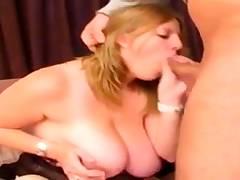 Butt-plug deepthroat milf