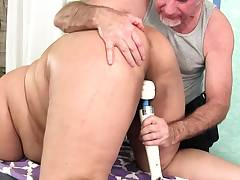 Ample boobed asian Plumper Miss Lingling gets a sex massage